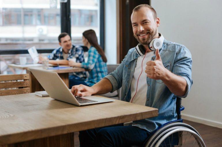 word oficina cambiar la vida de una persona con discapacidad