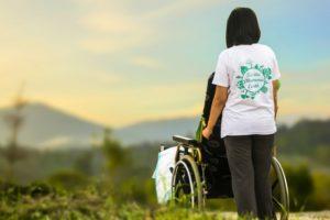 consideración al contratar discapacitados personas con discapacidad